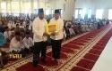 Plt-Gubernur-Riau-serahkan-bantuan-keuangan.jpg