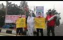Pocong-Pun-Ikut-Protes-Asap.jpg