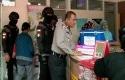 Polisi-cek-apotek.jpg