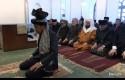 Presiden-Jokowi-menjadi-imam-salat-di-Afghanistan.jpg