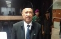 Rektor-UNJ-Komarudin.jpg