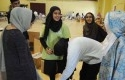 Relawan-Islamic-Society-of-Greater-Houston-menyerahkan-paket-bantuan.jpg