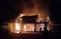 Rumah-terbakar.jpg