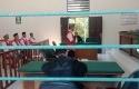 Terdakwa-pembunuhan-dan-sodomi-Asep-Mahpudin-mengikuti-persidangan.jpg