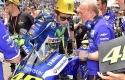 Valentino-Rossi-dan-Luca-Cadalora.jpg