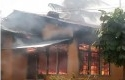 rumah-terbakr-di-kuansing.jpg