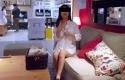 wanita-mastrubasi-di-IKEA.jpg